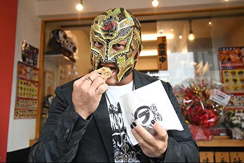 【新日本プロレス】綾瀬の唐揚げ屋「丸部商店」に怖い人が来店 & KENTAの腹筋がバキバキな件